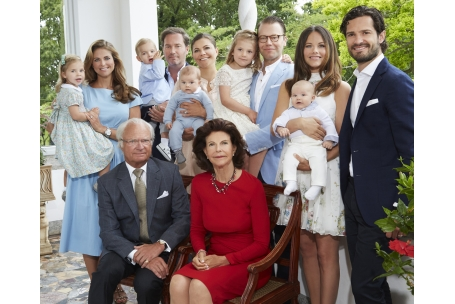 free shipping c1501 b035c The Swedish Royal Family wishes everyone a Gott Nytt AAr (Happy New Year)!